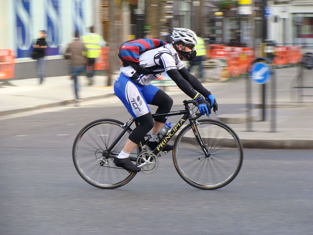 cyclist-wearing-mask.JPG
